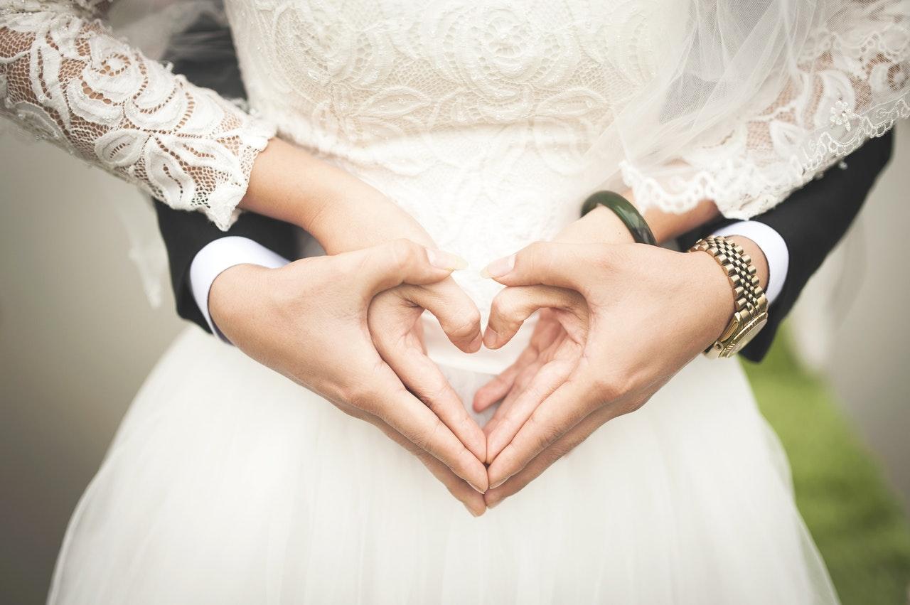 beautiful-blur-bridal